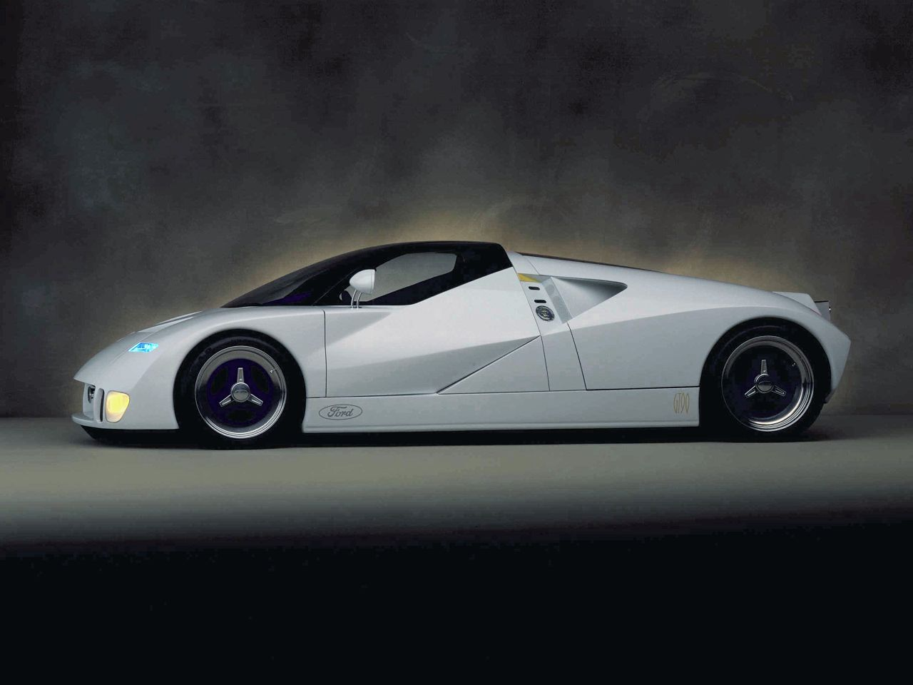 1995 Ford GT90 Picture