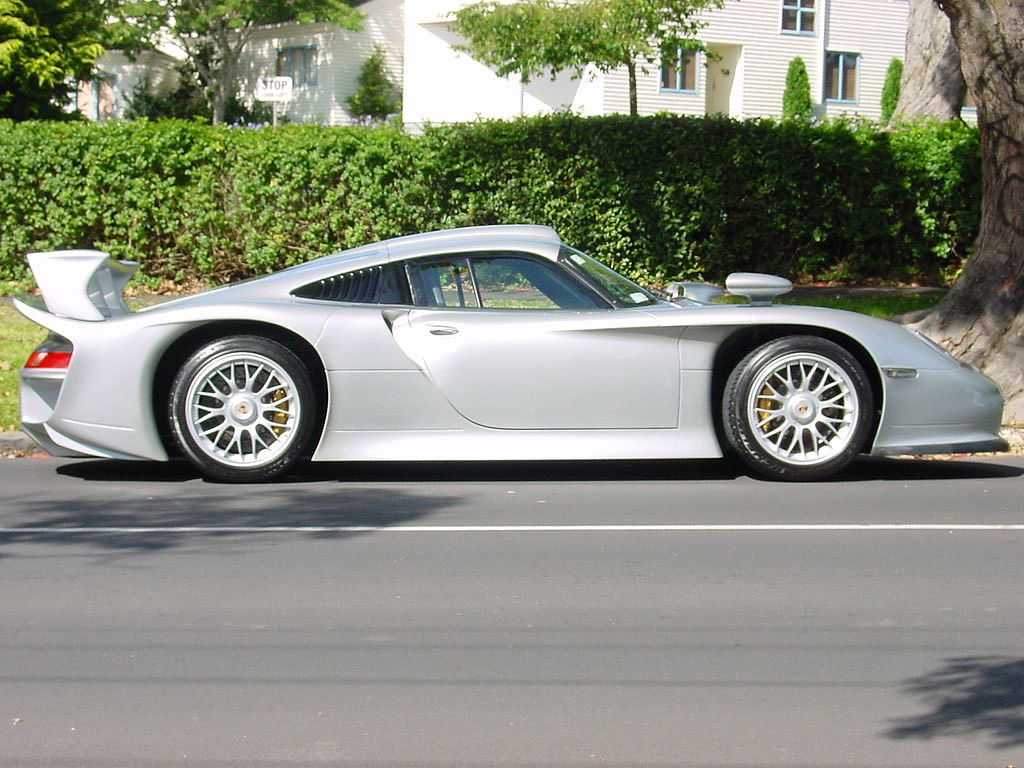 1998 porsche 911 gt1 strassenversion wallpaper pictures. Black Bedroom Furniture Sets. Home Design Ideas